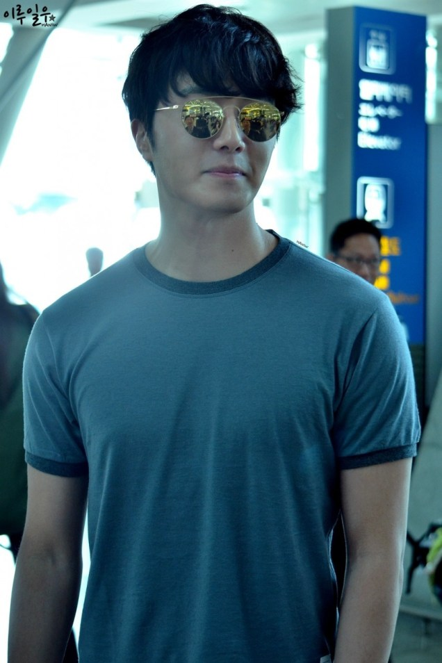 2015 3 Jung Il-woo at the airport in route to Star Chef filming in China C 28
