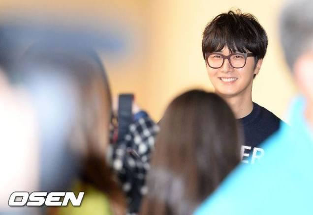2015 4 25 Jung Il-woo in his Fan Meeting Rainbo-Woo in Tokyo, Japan. Arriving at the airport. 21