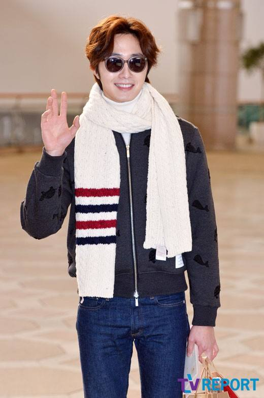 2015 12 3 Jung Il-woo headed to China for High End Crush Event. Cr. On photo 10