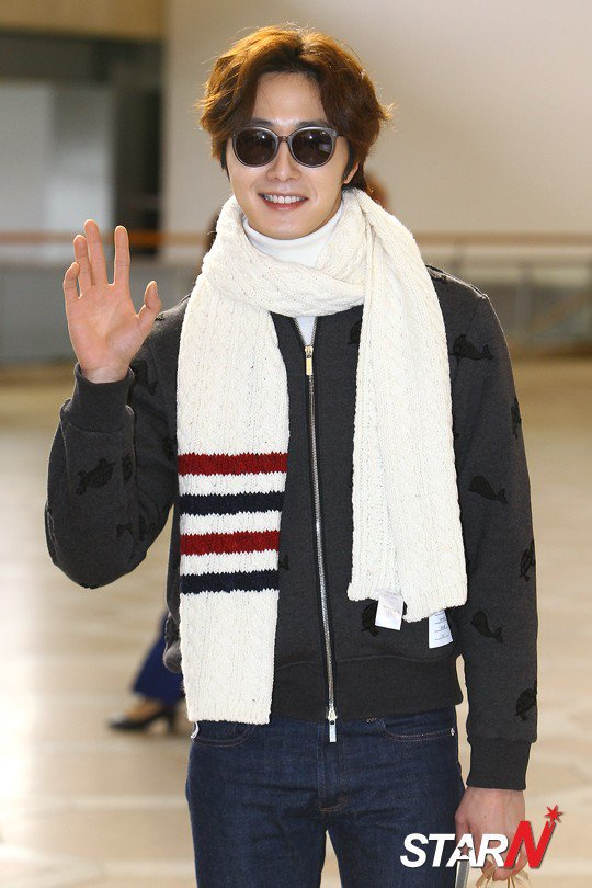 2015 12 3 Jung Il-woo headed to China for High End Crush Event. Cr. On photo 7