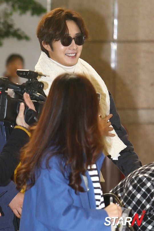 2015 12 3 Jung Il-woo headed to China for High End Crush Event. Cr. On photo 8