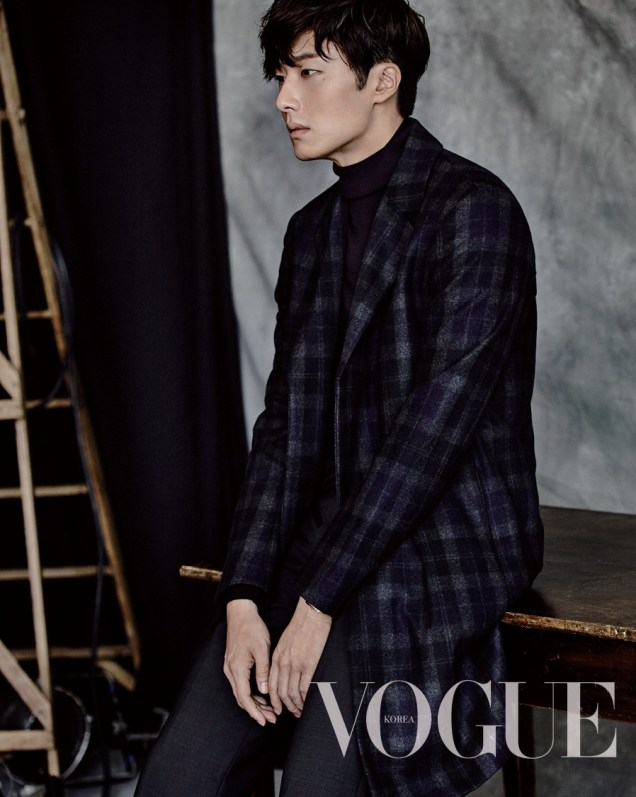 2015 9 Jung Il-woo is a Man in Autumn for Vogue Magazine. 4