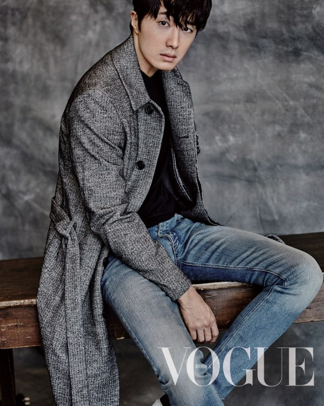2015 9 Jung Il-woo is a Man in Autumn for Vogue Magazine. 5