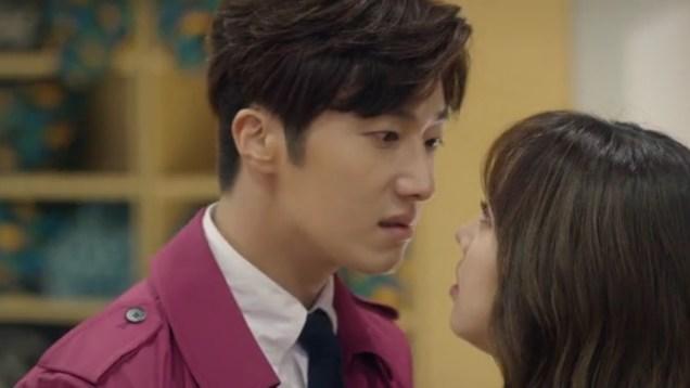 2015 Jung Il-woo in High End Crush Magenta Overcoat Cr. SOHU TV 2