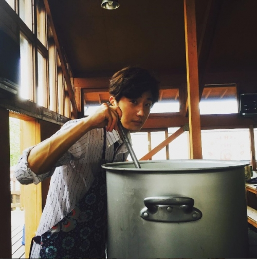 2015 09 13 Jung Il-woo in barbecue birthday celebration in Japan. 3