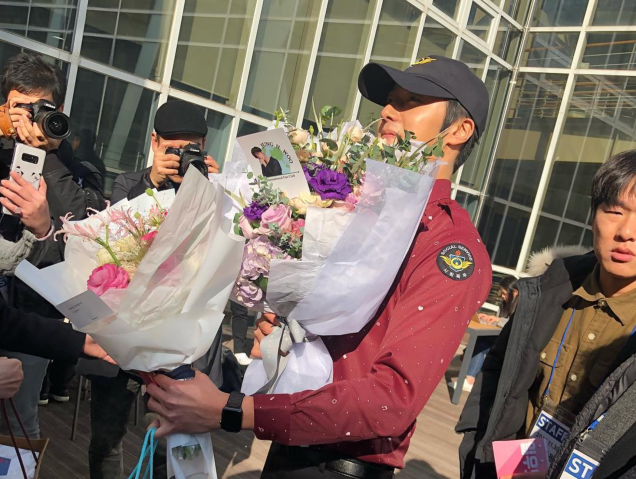 2018 11 30 Jung Il-woo on his military discharge day. 56
