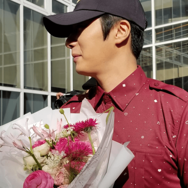 2018 11 30 Jung Il-woo on his military discharge day. 73