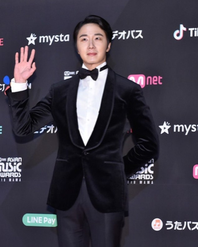 2018 12 12 Jung Il-woo at the MAMA Awards. Cr. Mnet Edits Fan1315