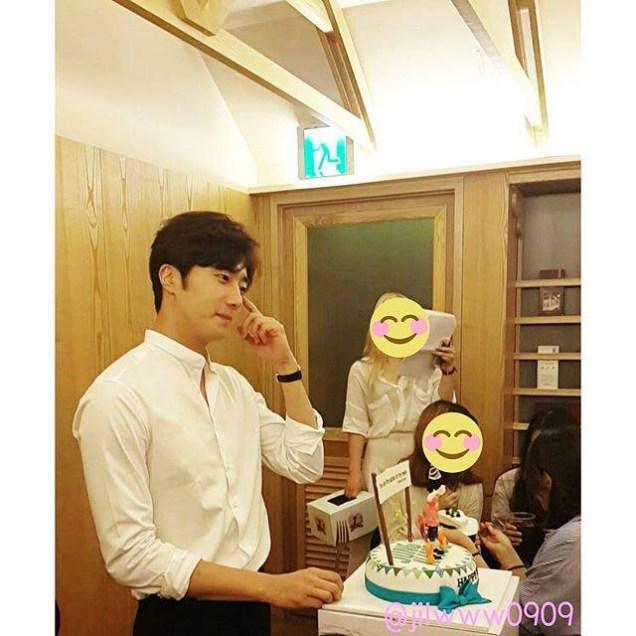 2015 9 4 Jung Il woo celebrates his birthday baking. Cr. jilwww0909