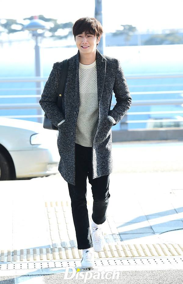 2016 1 9 jung il-woo in the airport going to shanghai for the smile cup part 2 10