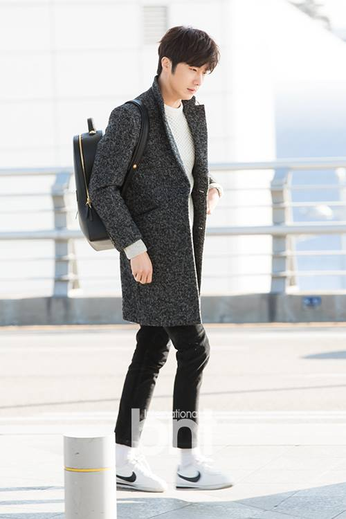 2016 1 9 jung il-woo in the airport going to shanghai for the smile cup part 2 30