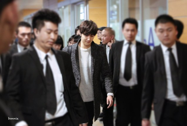 2016 1 9 jung il-woo in the airport going to shanghai for the smile cup part 4 2