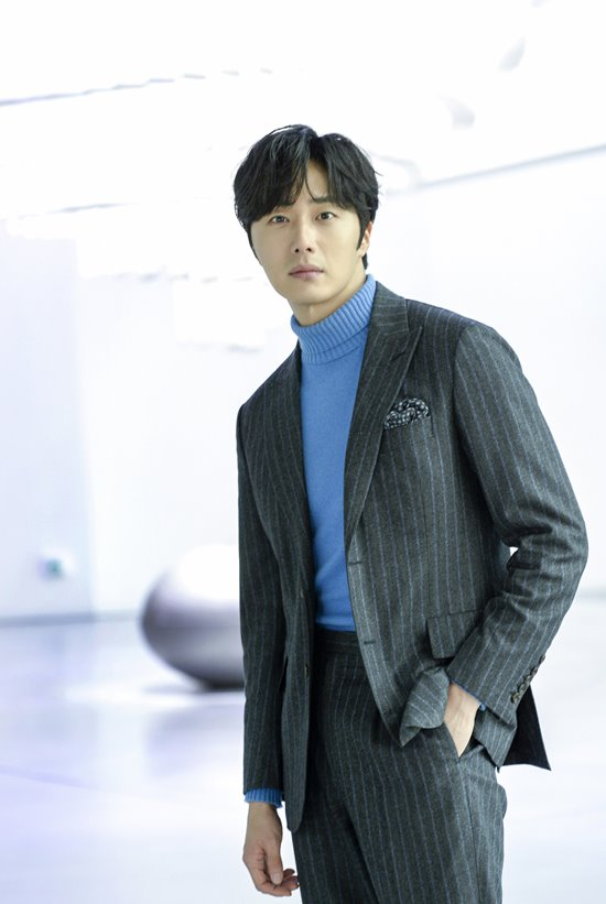 2019 1 21 jung il-woo at the sbs press conference for haechi. cr. sbs 7