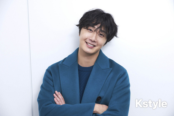 2019 1 9 Jung Il-woo in KStyle Magazine.  14.jpg