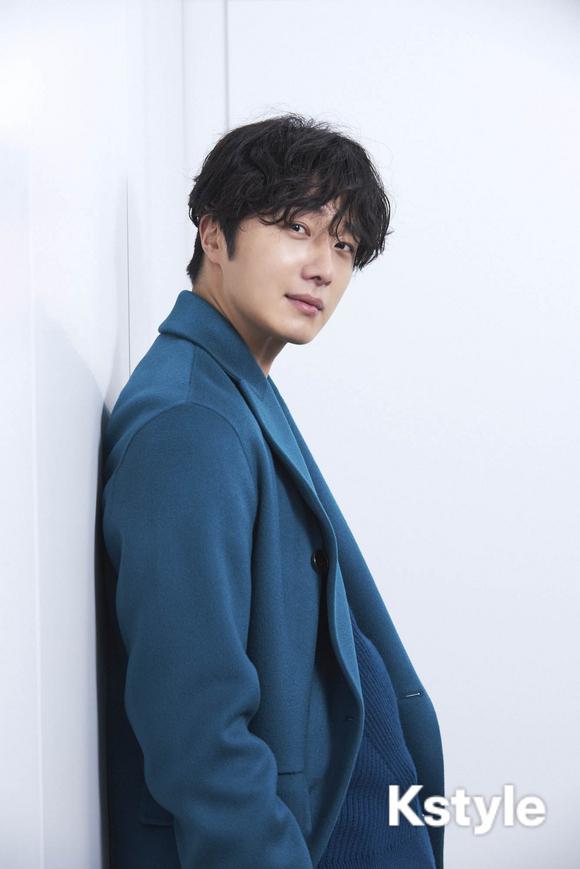2019 1 9 Jung Il-woo in KStyle Magazine.  4.jpg