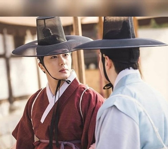 2019 1 Jung Il-woo and cast BTS of Haechi. 4