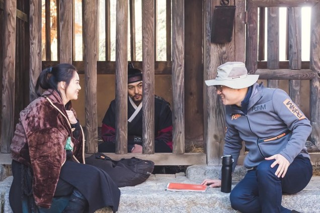 2019 1 Jung Il-woo BTS of Haechi. Cr. DIrector Lee Yong-suk 3