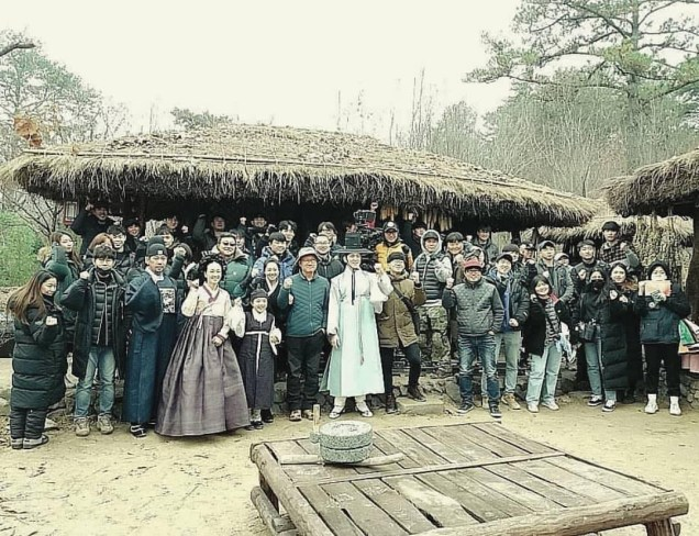 2019 1 Jung Il-woo BTS of Haechi. Cr. DIrector Lee Yong-suk 7