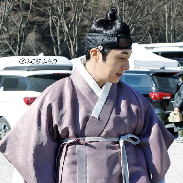 2019 1 Jung Il-woo Fan videos visiting him in the set of Haechi. Cr. 2015 2 4 9 4