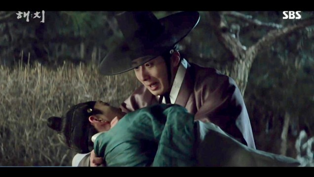 2019 2 18 Jung Il-woo in Haechi Episode 4 (7,8) Cr. SBS. Screen Captures by Fan 13. 58