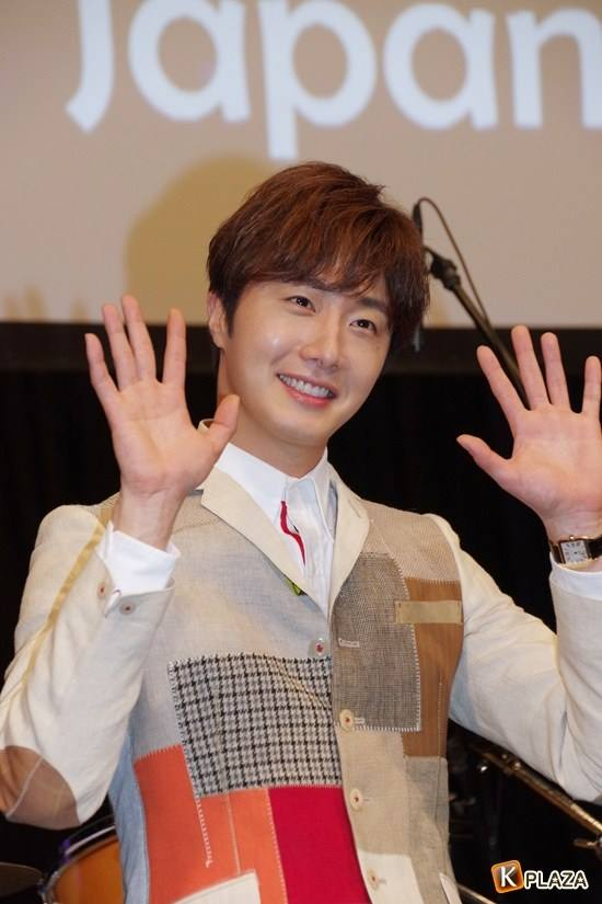 2016 4 15 Jung Il-woo at the Press Conference for his 10th Thank You Fan Meeting in Japan. 10