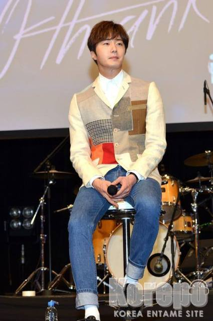 2016 4 15 Jung Il-woo at the Press Conference for his 10th Thank You Fan Meeting in Japan. 12