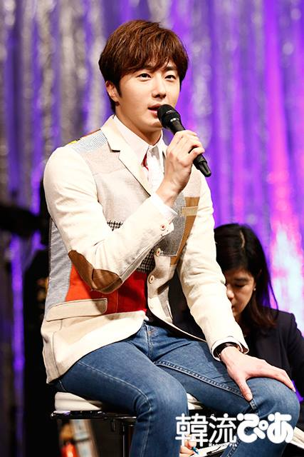 2016 4 15 Jung Il-woo at the Press Conference for his 10th Thank You Fan Meeting in Japan. 13