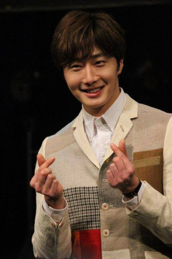 2016 4 15 Jung Il-woo at the Press Conference for his 10th Thank You Fan Meeting in Japan. 16