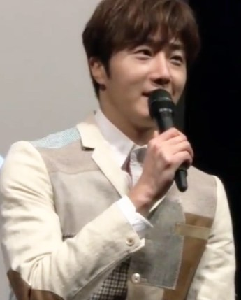 2016 4 15 Jung Il-woo at the Press Conference for the 10th Thank You Fan Meeting in Japan. 1