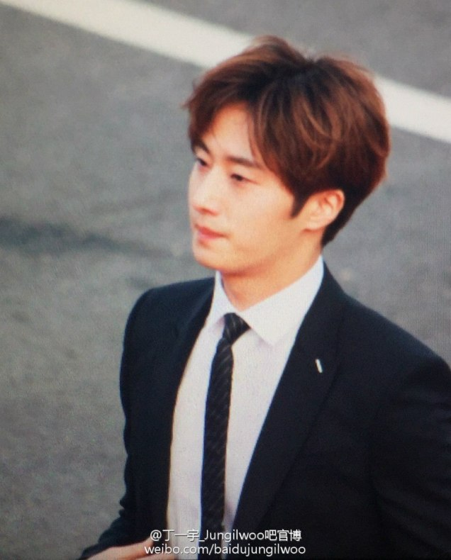 2016 5 21 Jung Il-woo at the Asian Model Awards. Red Carpet walk in. 22