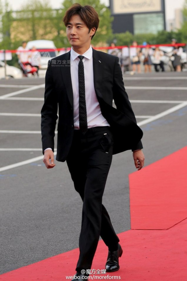 2016 5 21 Jung Il-woo at the Asian Model Awards. Red Carpet walk in. 5
