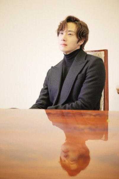 2015 10 Jung Il-woo in an Interview of Beautiful Woman : Beauty Dream. 15