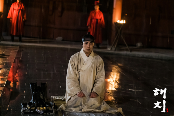 2019 3  Jung Il-woo in Haechi Episode 13 (25-26) Website Photos and Behind the Scenes.  18.jpg