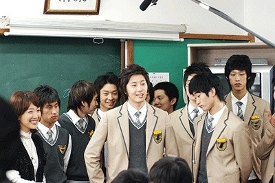 Jung Il-woo as Yoon-ho in Unstoppable High kick. 20077