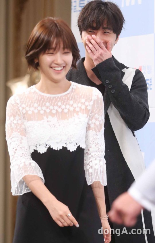 2016 8 10 Jung Il-woo and Park so-dam at the Production Conference for Cinderella and the Four Knights. 126