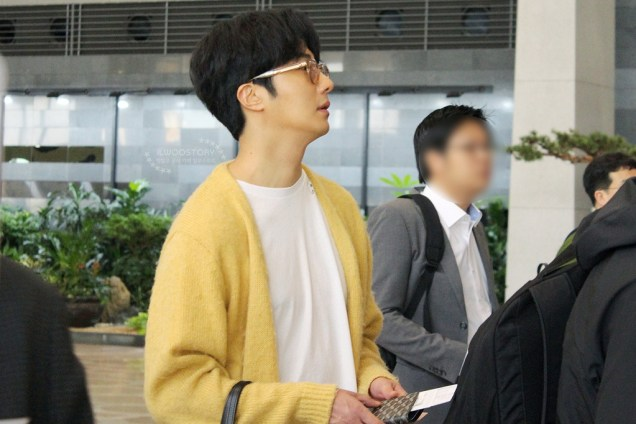 2019 5 21 Jung Il-woo departs to Japan for Fan Meetings. Cr. Ilwoostory Cafe. 1