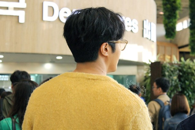 2019 5 21 Jung Il-woo departs to Japan for Fan Meetings. Cr. Ilwoostory Cafe. 3
