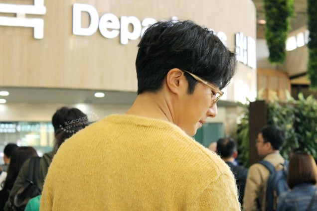 2019 5 21 Jung Il-woo departs to Japan for Fan Meetings. Cr. Ilwoostory Cafe. 6