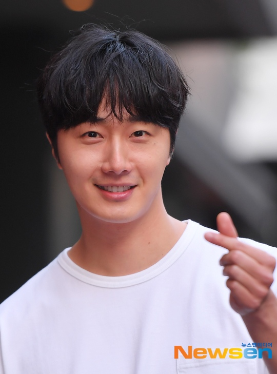 Jung Il-woo arrives to the Wrap Up Party of Haechi. April 30, 2019. 14