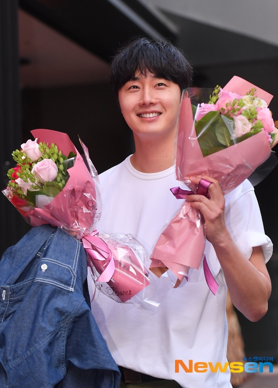 Jung Il-woo arrives to the Wrap Up Party of Haechi. April 30, 2019. 29