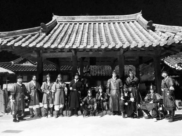 Jung Il-woo In Haechi Episode 24 (47-48) Website Photos. Behind the Scenes. Cr.SBS. 7