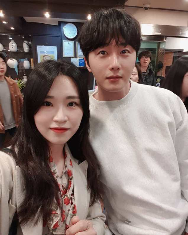 Jung Il-woo in selfies at the Wrap Up Party of Haechi. April 30, 2019. 1
