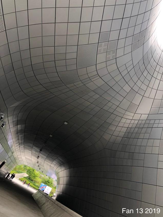 2019 6 9 The Deongdaemun Design Plaza. (DDP) By Fan 13. 6