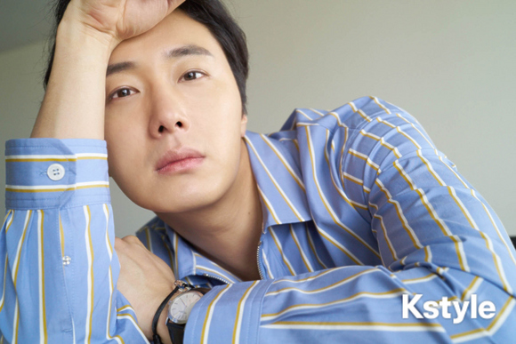 Jung Il-woo for K-Style Magazine, Japan. 19.jpg