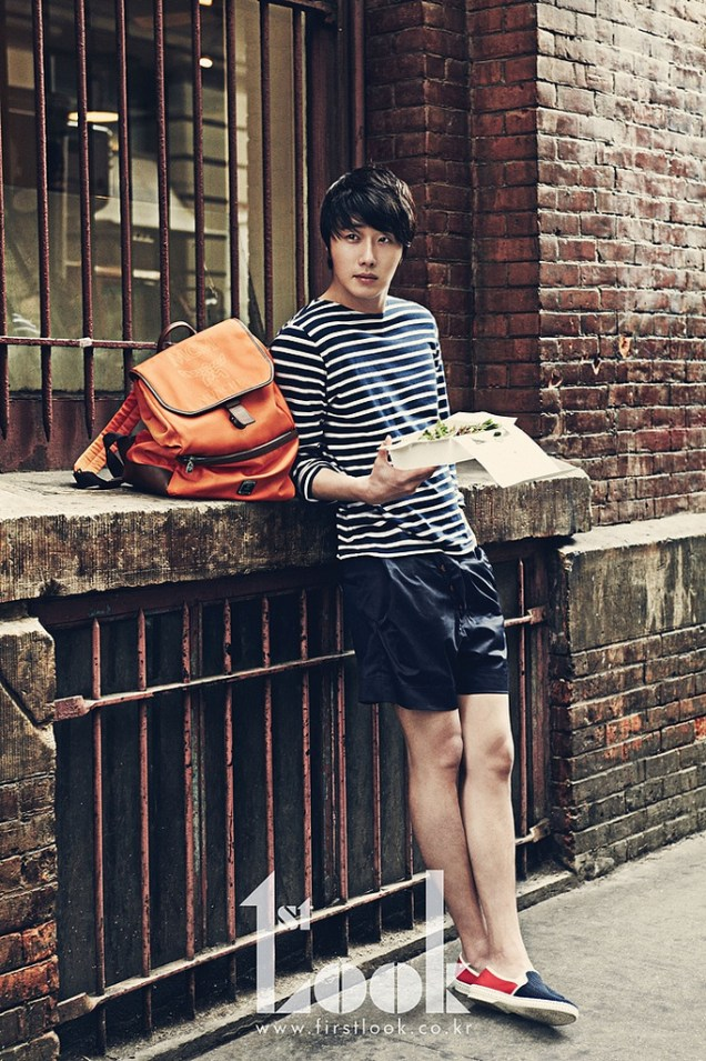 2012 4 19 Jung Il-woo for First Look Magazine27
