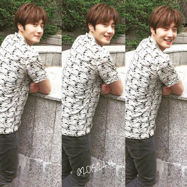2016 5 Jung Il-woo in Cinderella and the Four Knights Episode 1. Fan Taken. Cr. On Photo. 31