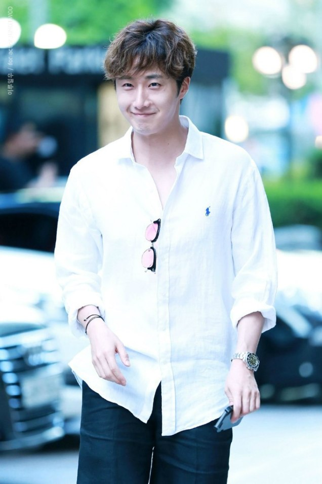 2016 6 1 Jung Il-woo at the Wrap Up Party for Cinderella and the Four Knights. 15