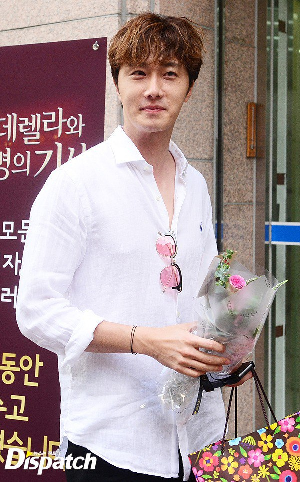 2016 6 1 Jung Il-woo at the Wrap Up Party for Cinderella and the Four Knights. 9