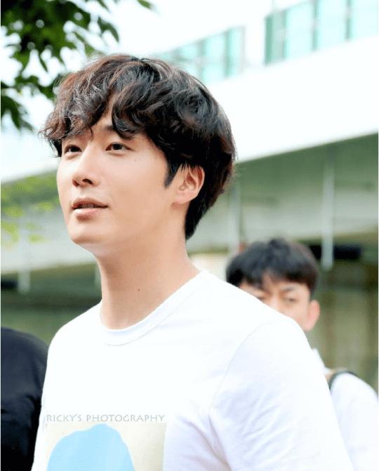 2016 9 4 Jung Il-woo Fan Meeting: Rail Trip with Jung Il-woo. Cr. Starcast, Disparch and Jung Il-woo.com 36