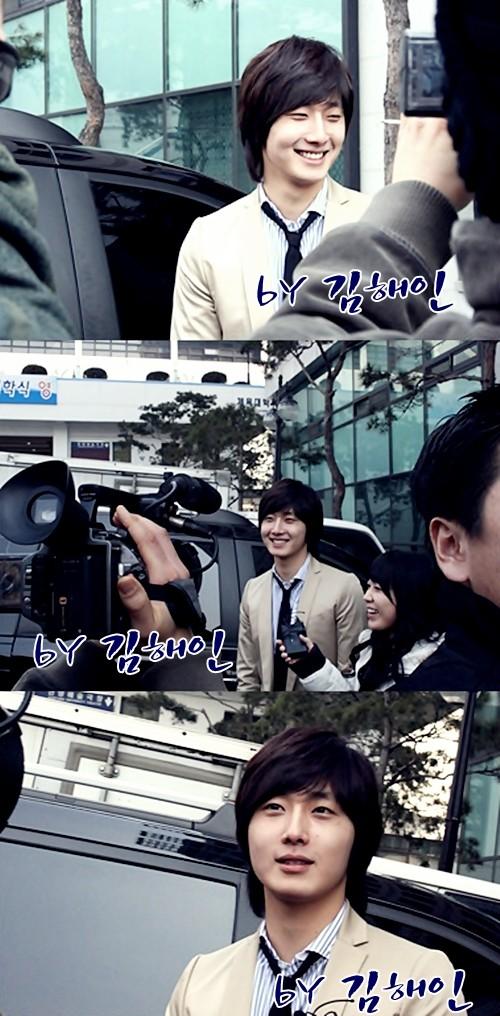 2008 3 3 Entrance Hanyang Xtra 4.jpg